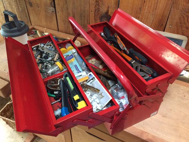 Les éléments nécessaires du votre boite à bricolage!